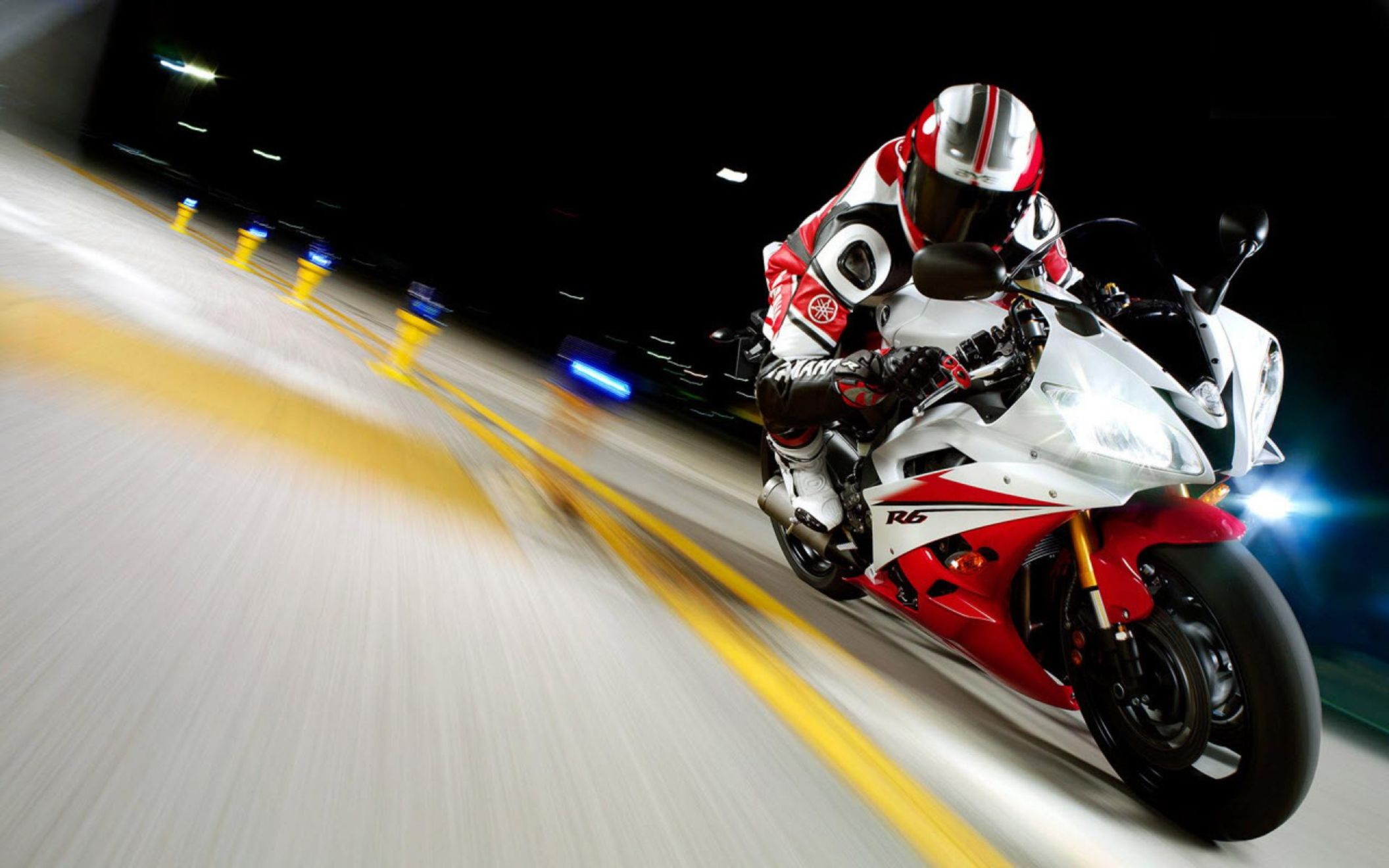 Download free HD 2007 Yamaha Yzfr6 Race Wide Wallpaper, image