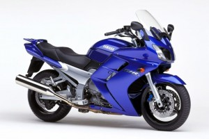 Download 2009 Yamaha FJR1300 Motor Bike Normal Wallpaper Free Wallpaper on dailyhdwallpaper.com