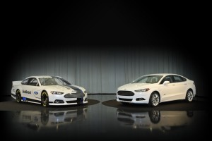 Download 2013 Ford Fusion Best Cars  Free Wallpaper on dailyhdwallpaper.com