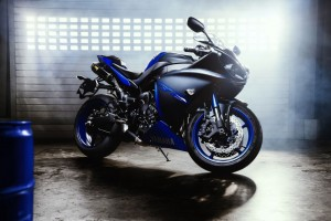 2015 Yamaha YZF R1 Wide Wallpaper