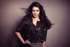Download Actress Shraddha Kapoor Wide Wallpaper Free Wallpaper on dailyhdwallpaper.com