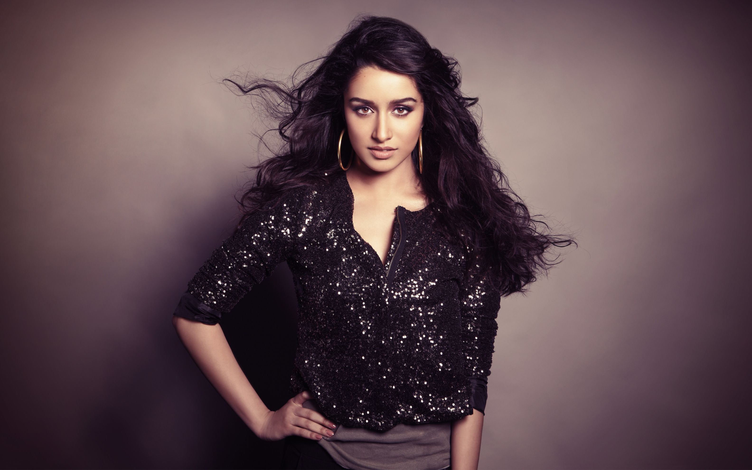 Download free HD Actress Shraddha Kapoor Wide Wallpaper, image
