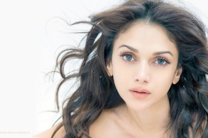 Download Aditi Rao Hydari 2015 Wide Wallpaper Free Wallpaper on dailyhdwallpaper.com