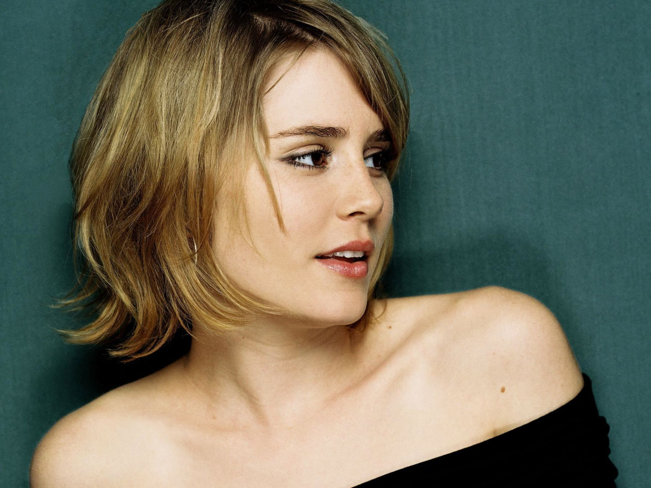Download free HD Alison Lohman 2 Normal Wallpaper, image