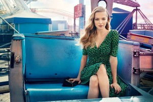 Download Amanda Seyfried 22 Wide Wallpaper Free Wallpaper on dailyhdwallpaper.com