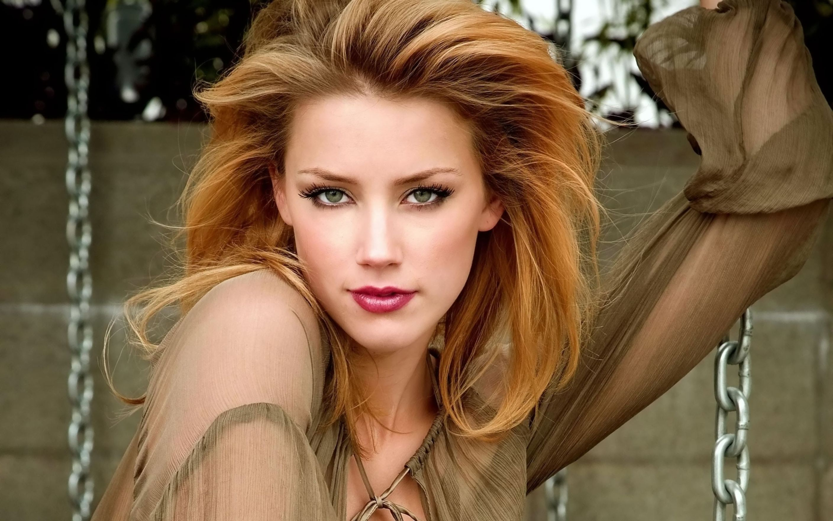 Download free HD Amber Heard 5 Wide Wallpaper, image