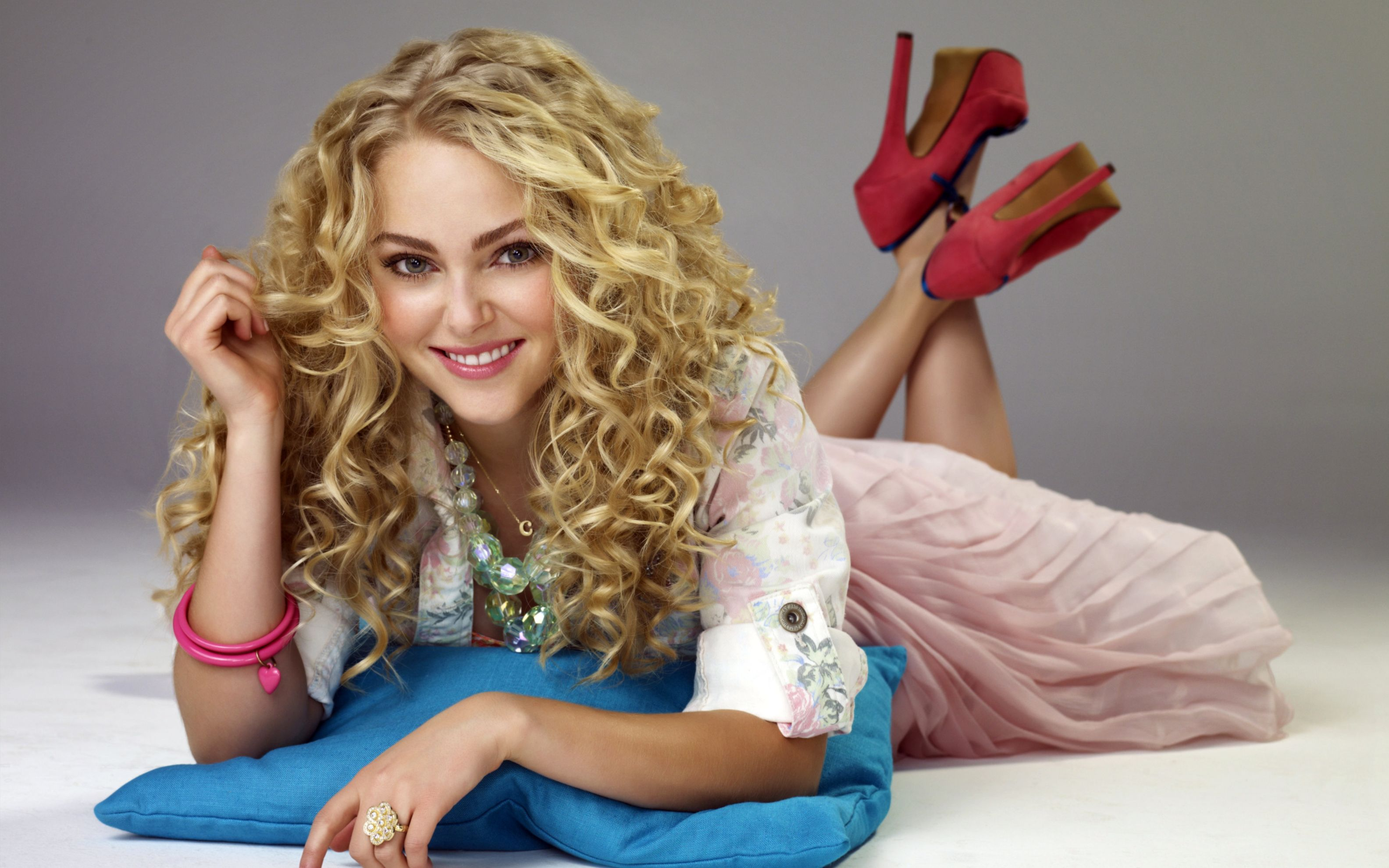 Download free HD Annasophia Robb Wide Wallpaper, image