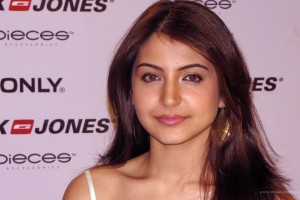 Download Anushka Sharma Bollywood Wide Wallpaper Free Wallpaper on dailyhdwallpaper.com