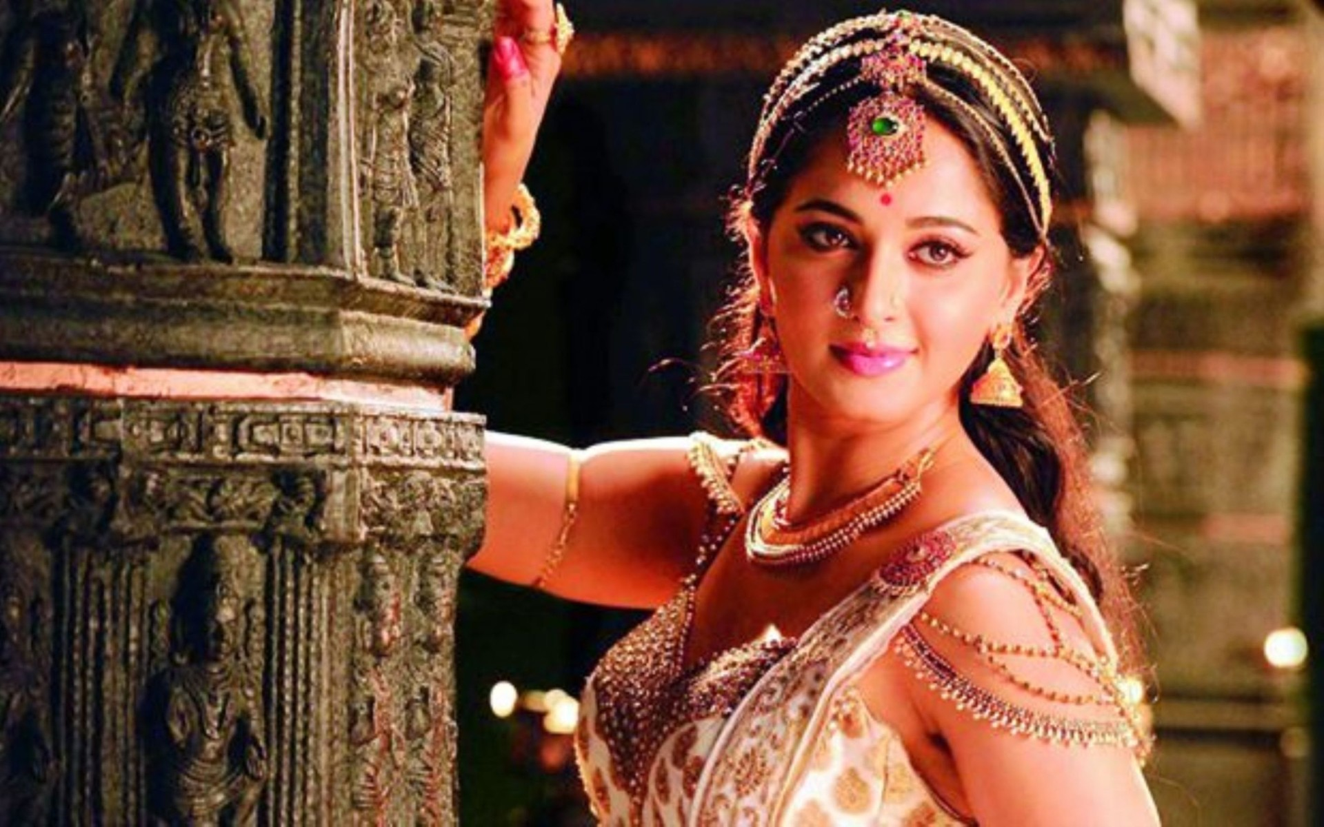 Anushka Shetty In Rudramadevi Wallpaper