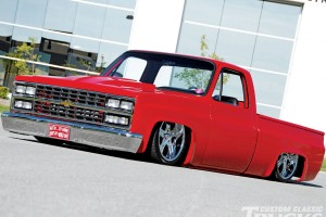 Download Awesome Pickup Trucks Chevy Free Wallpaper on dailyhdwallpaper.com