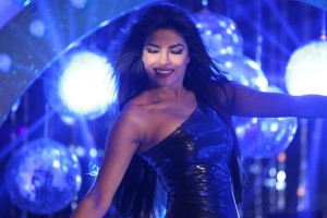 Download Babli Badmaash Hai Priyanka Chopra Wide Wallpaper Free Wallpaper on dailyhdwallpaper.com