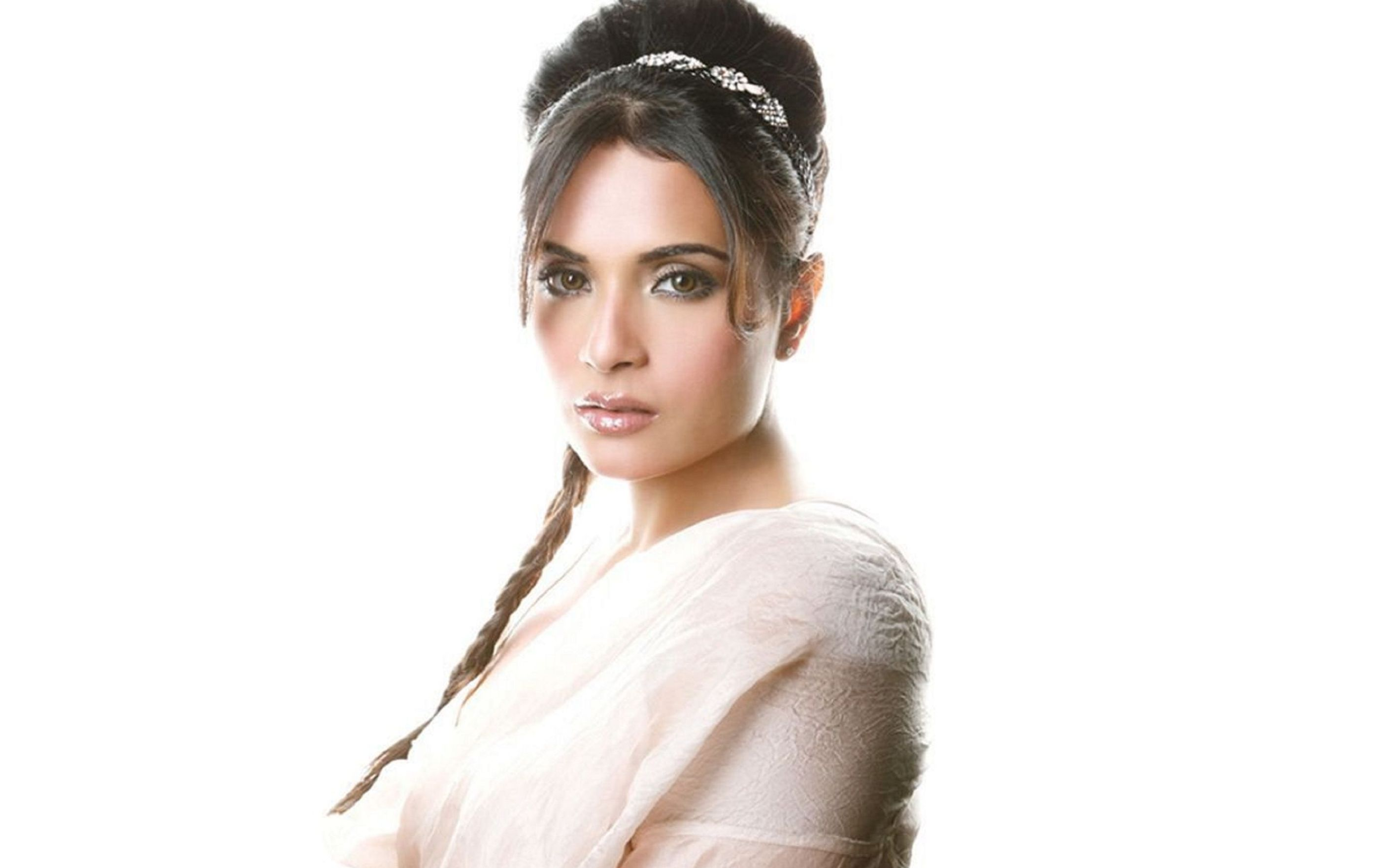 beautiful richa chadda images wallpaper: desktop hd wallpaper