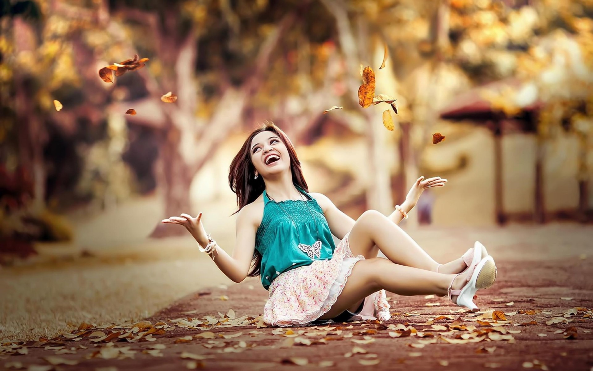 Beauty Girl Pavement Leaves Autumn Wallpaper