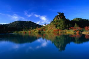 Blue-sky-blue-water-green-hill