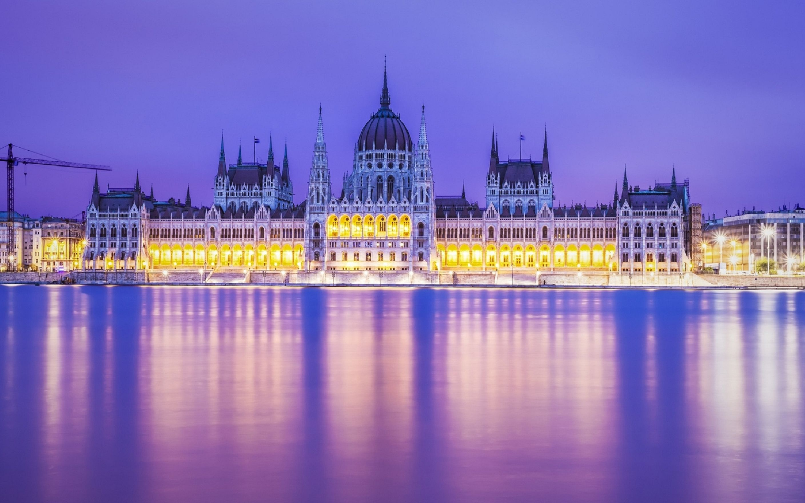 Download free HD Budapest Parliament Building In Magents Wallpaper, image