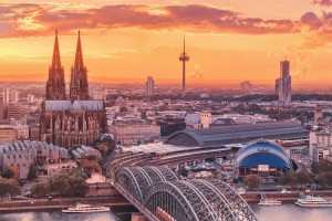 Cologne City for iPad 1024×1024 Wallpaper