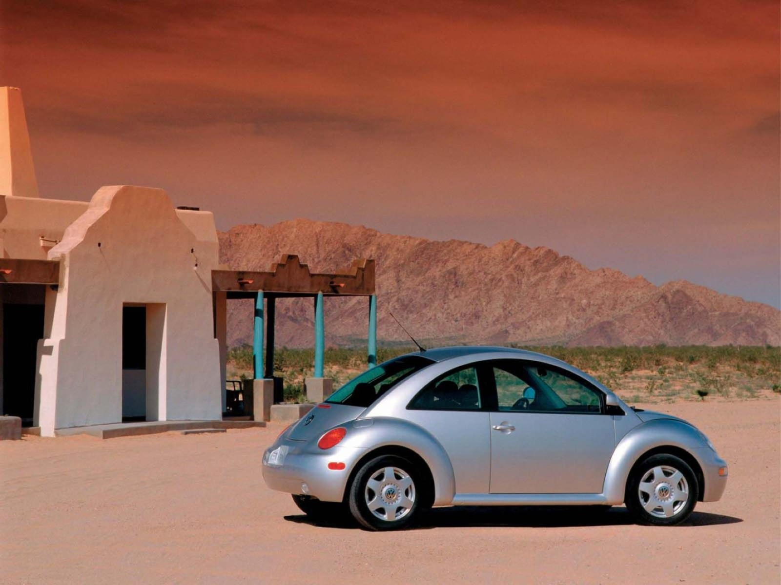 Cool Volkswagen New Beetle Wallpaper