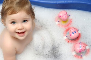 Download Cute Baby Bath Wide Wallpaper Free Wallpaper on dailyhdwallpaper.com