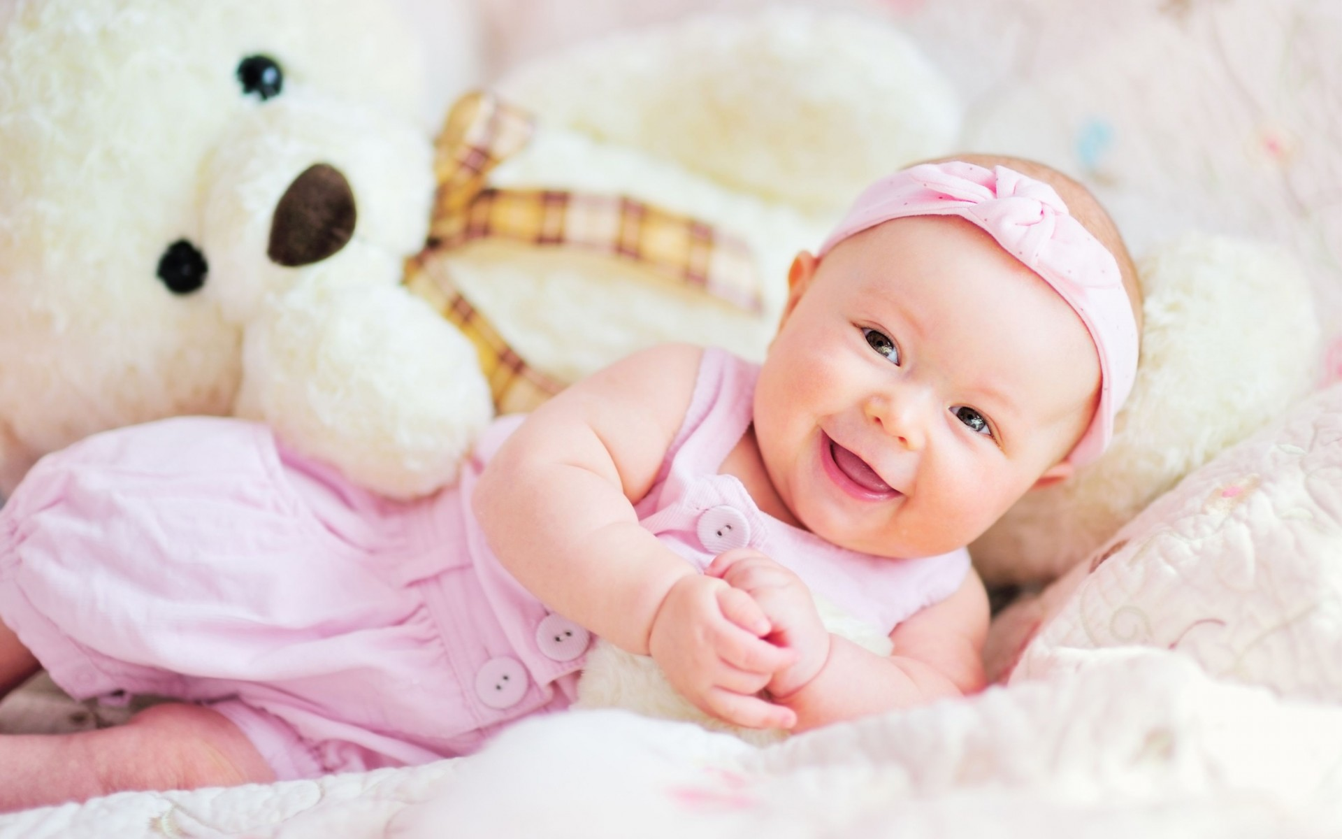 Cute Baby Teddy Bear Wide Wallpaper