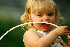 Download Cute Beautiful Child Girl Playing With Ring Wallpaper Free Wallpaper on dailyhdwallpaper.com