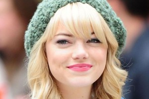 Download Cute Emma Stone HD 1366x768 Wallpaper Free Wallpaper on dailyhdwallpaper.com