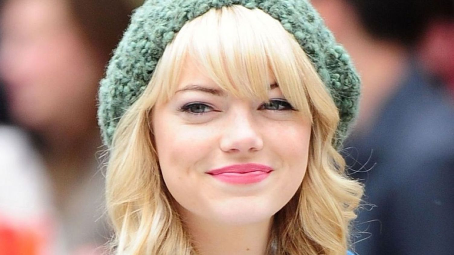 Download free HD Cute Emma Stone HD 1366×768 Wallpaper, image