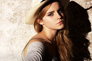 Download Cute Emma Watson HD Wallpaper Free Wallpaper on dailyhdwallpaper.com