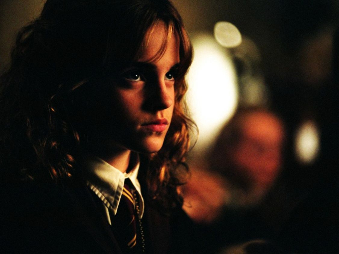 Download free HD Cute Emma Watson Normal Wallpaper, image