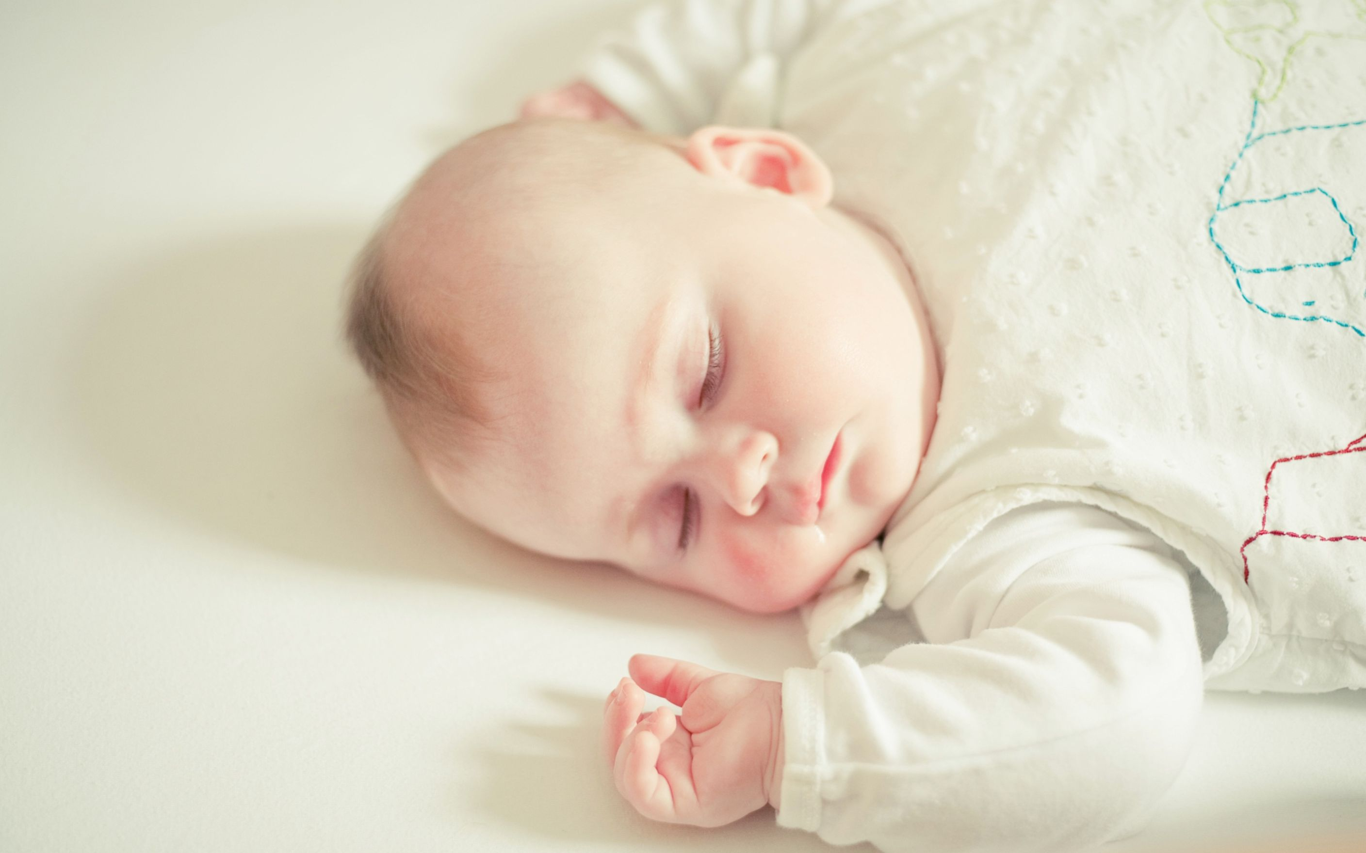 Download free HD Cute Sleeping Baby Wide Wallpaper, image