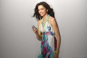 Download Deepika Padukone Bsnl Wide Wallpaper Free Wallpaper on dailyhdwallpaper.com
