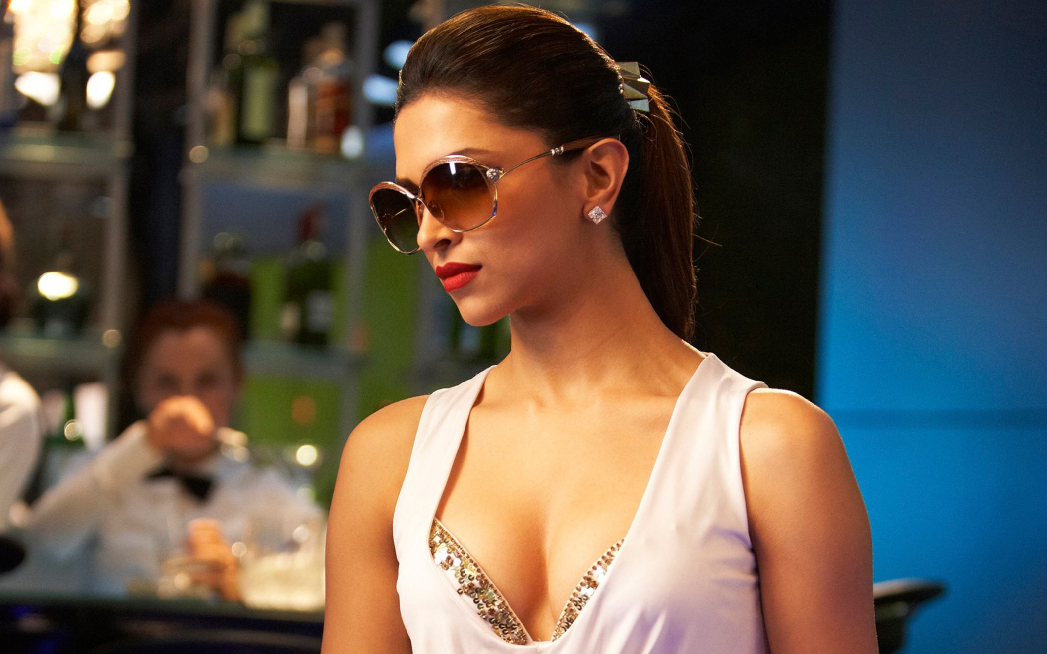 Download free HD Deepika Padukone In Race 2 Wide Wallpaper, image