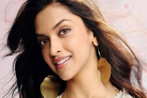 Download Deepika Padukone In Yeh Jawani Hai Deewani Wallpaper Free Wallpaper on dailyhdwallpaper.com