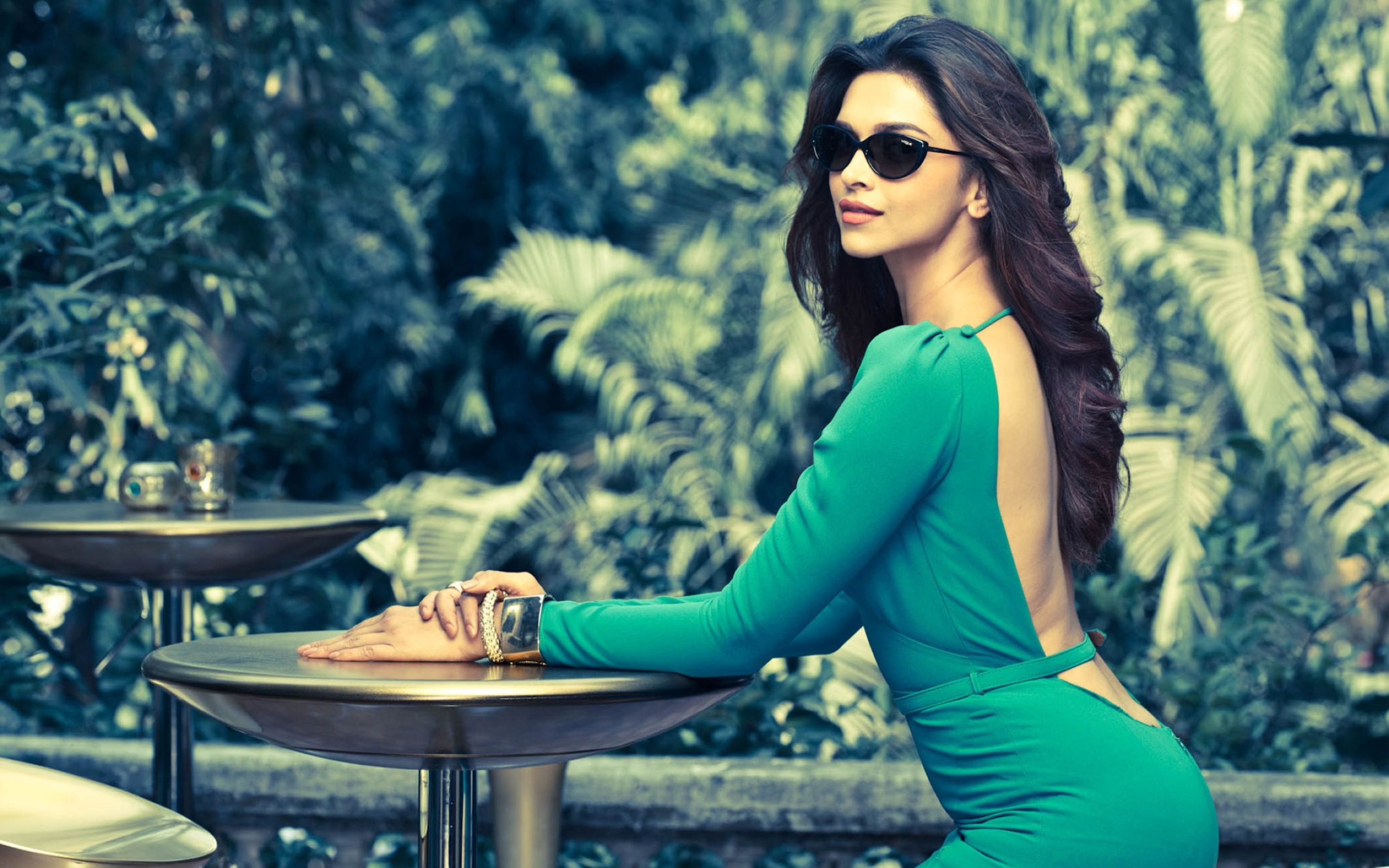 Download free HD Deepika Padukone Vogue Eyewear Wallpaper, image