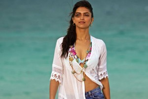 Download Deepika Padukone in Break Ke Baad Wide Wallpaper Free Wallpaper on dailyhdwallpaper.com