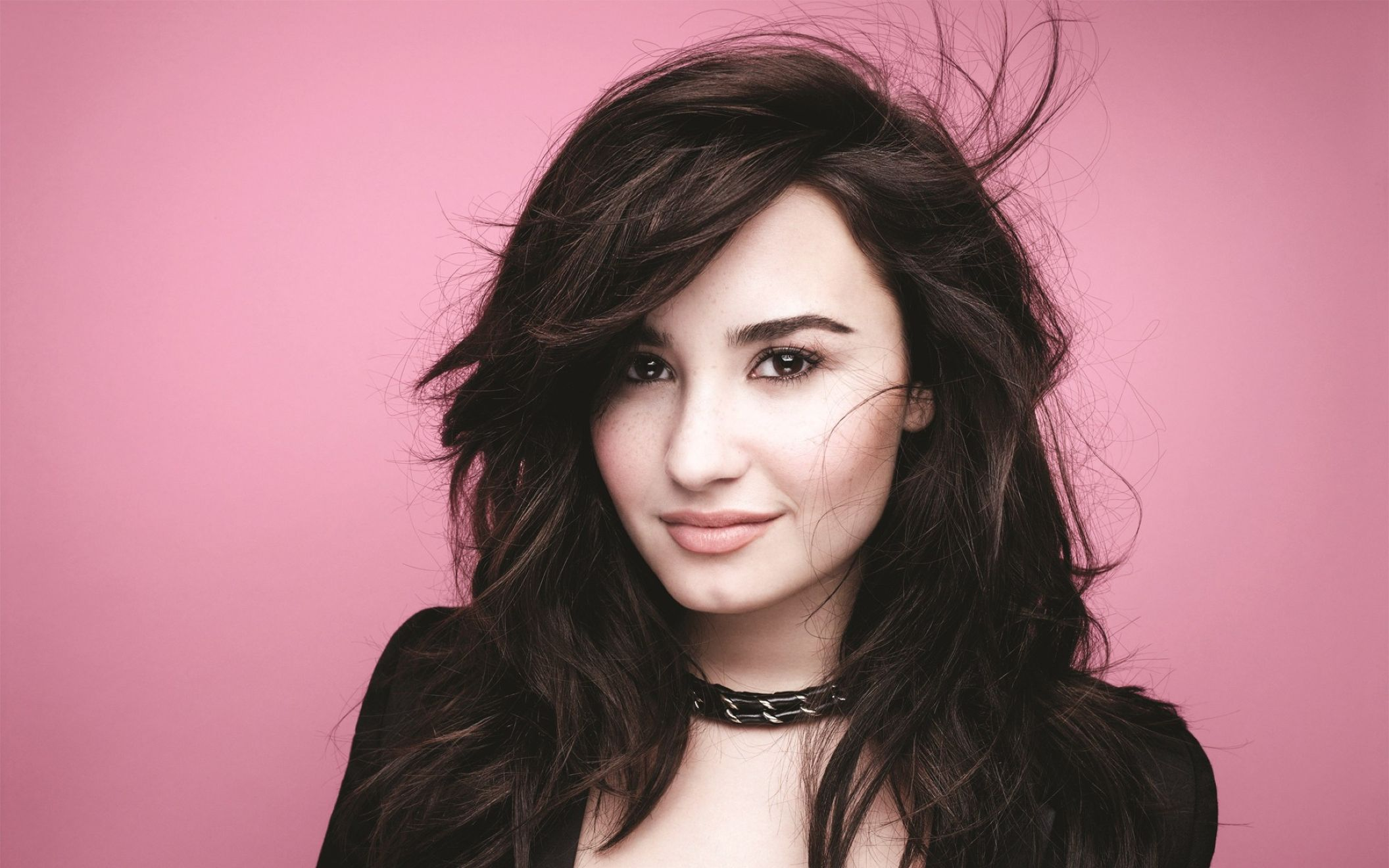demi lovato girlfriend wide wallpaper: desktop hd wallpaper