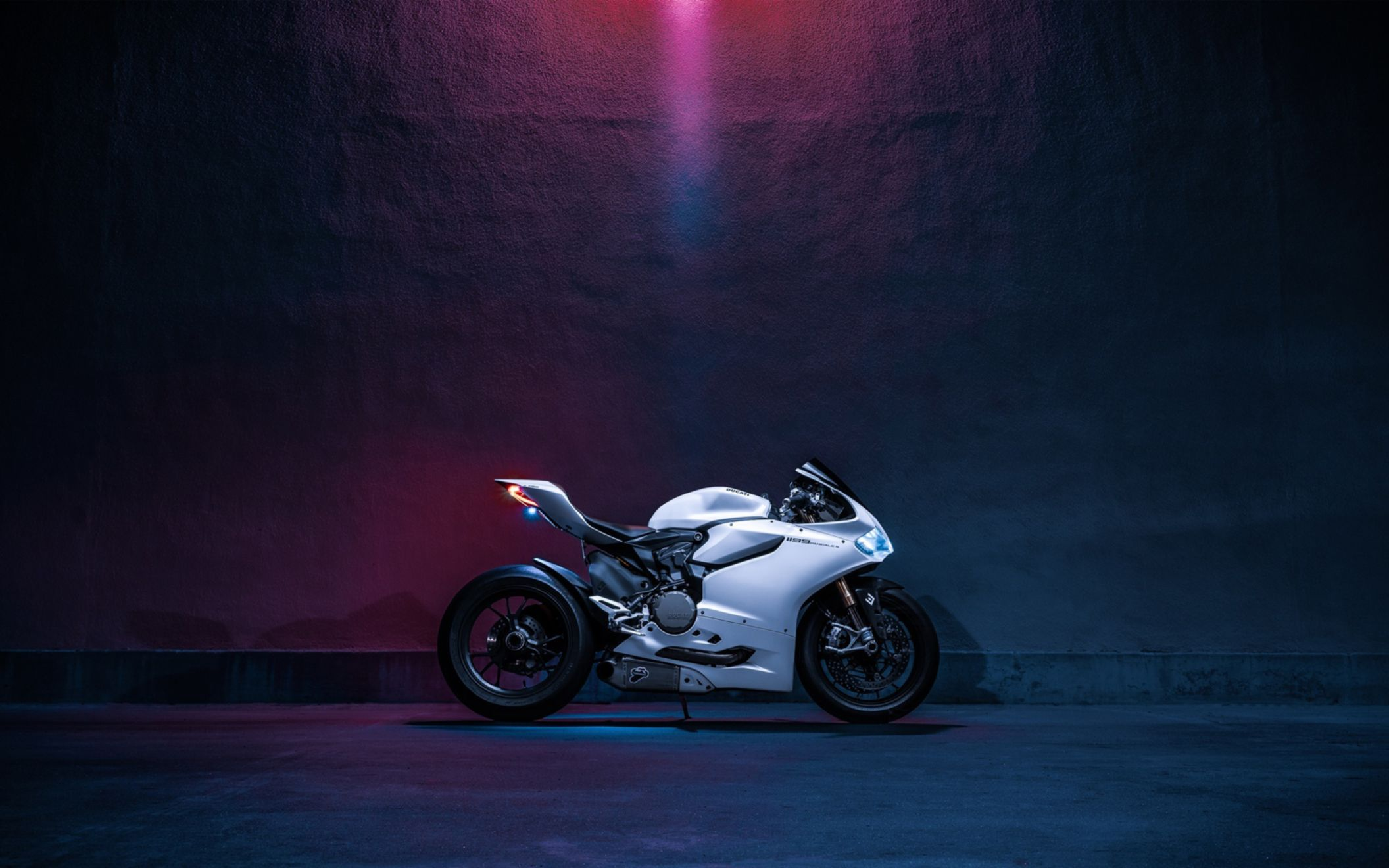 Download free HD Ducati 1199 Panigale S Bike Wide Wallpaper, image