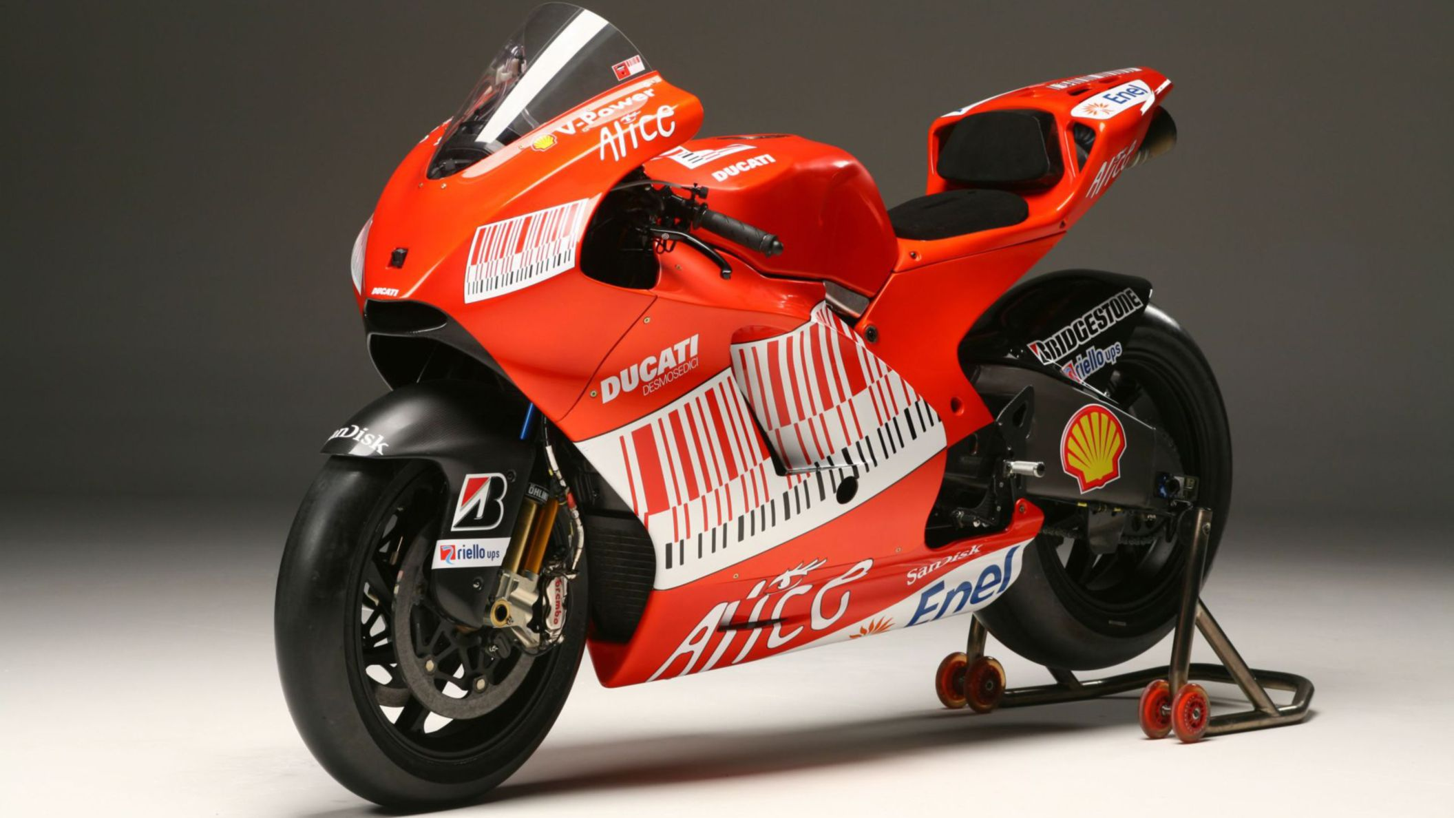 Download free HD Ducati Sports Bike HD Wallpaper, image