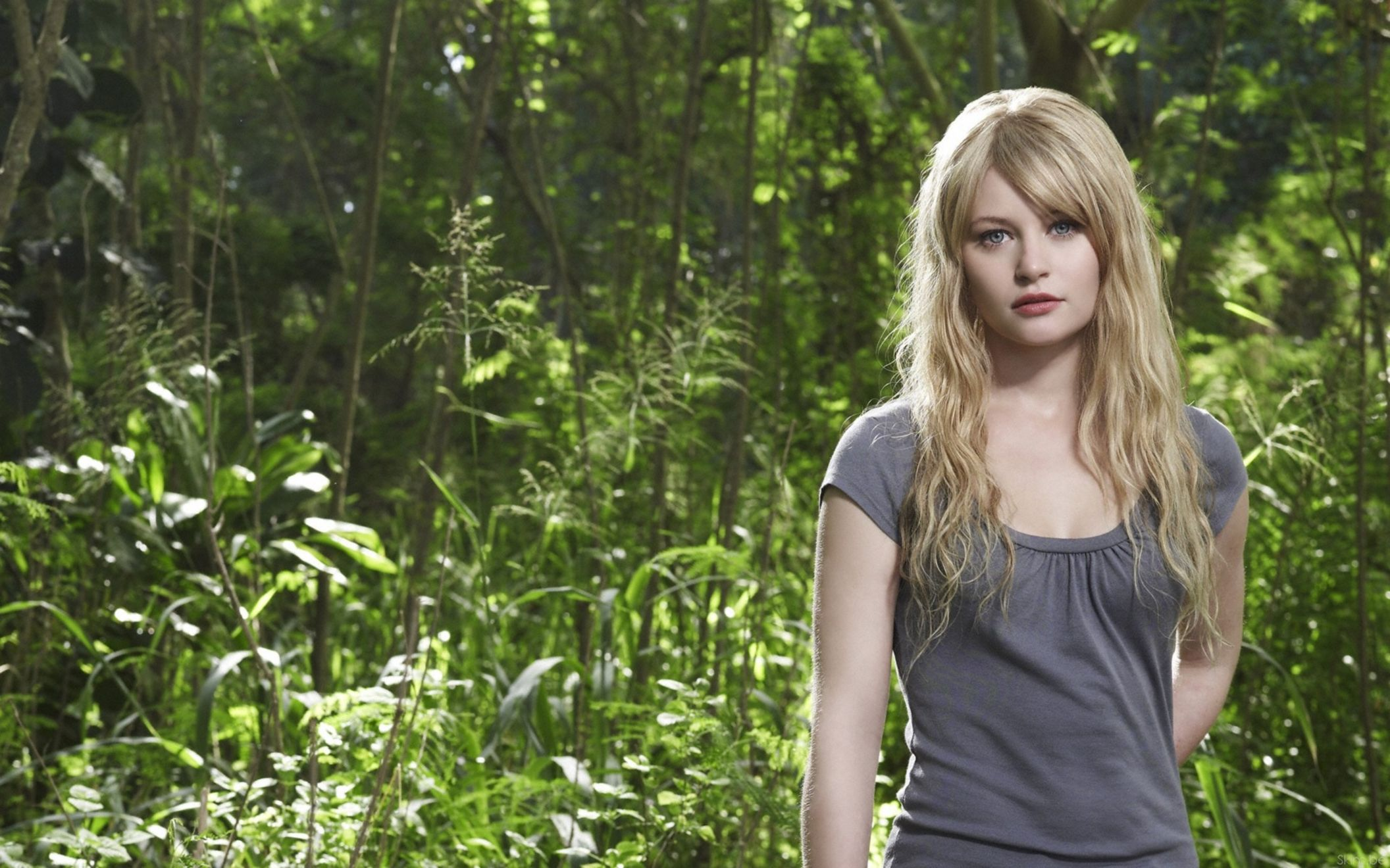 Download free HD Emilie De Ravin Wide Wallpaper, image