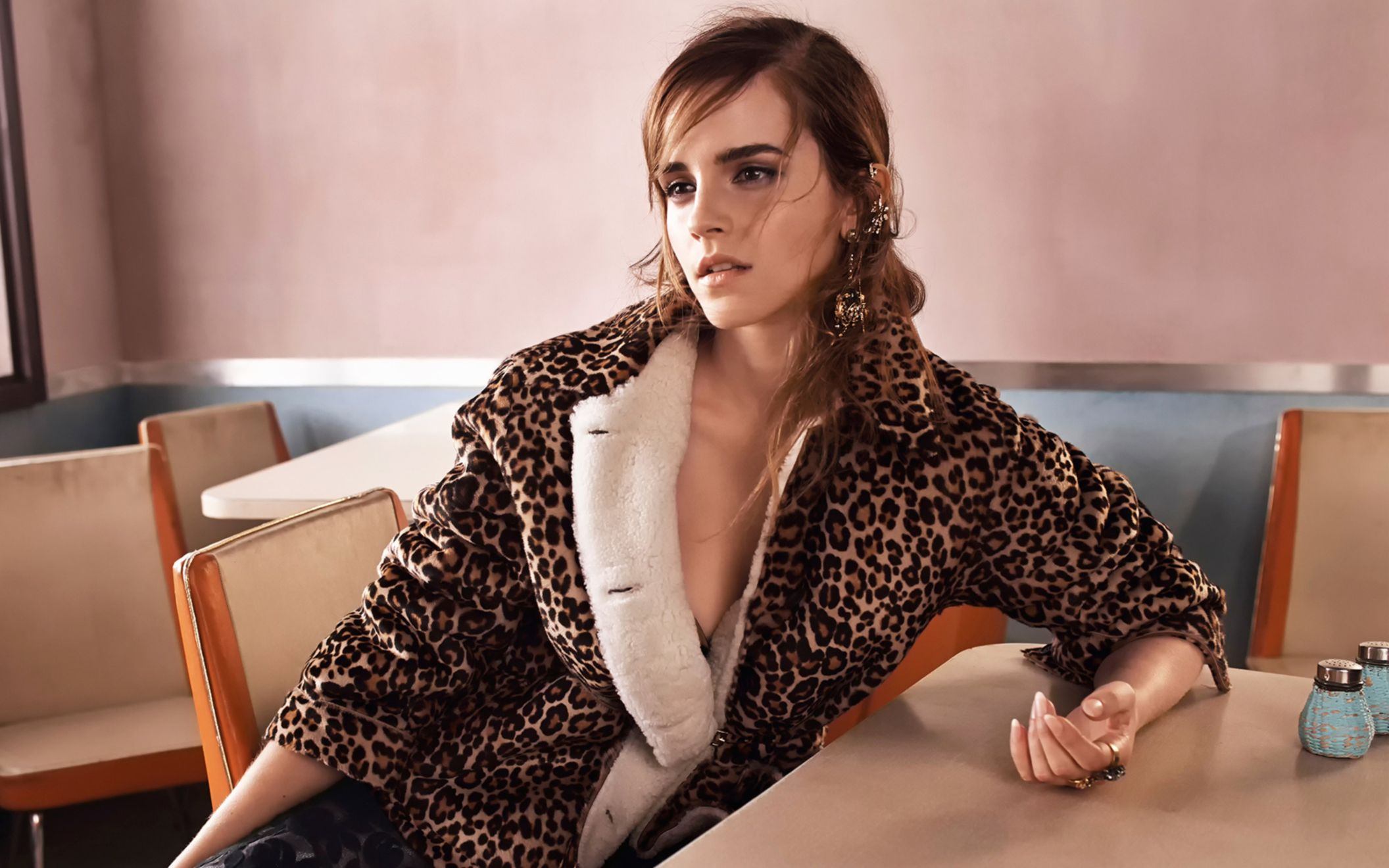 Download free HD Emma Watson 2017 Hot Wide Wallpaper, image