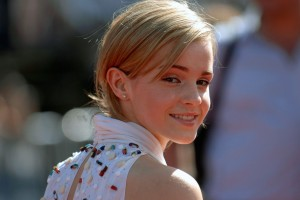 Download Emma Watson Smiling at a Premiere HD Wide Wide Wallpaper Free Wallpaper on dailyhdwallpaper.com