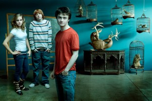 Download Emma Watson With Harry Potter Movie Crew Hd Wide Wide Wallpaper Free Wallpaper on dailyhdwallpaper.com