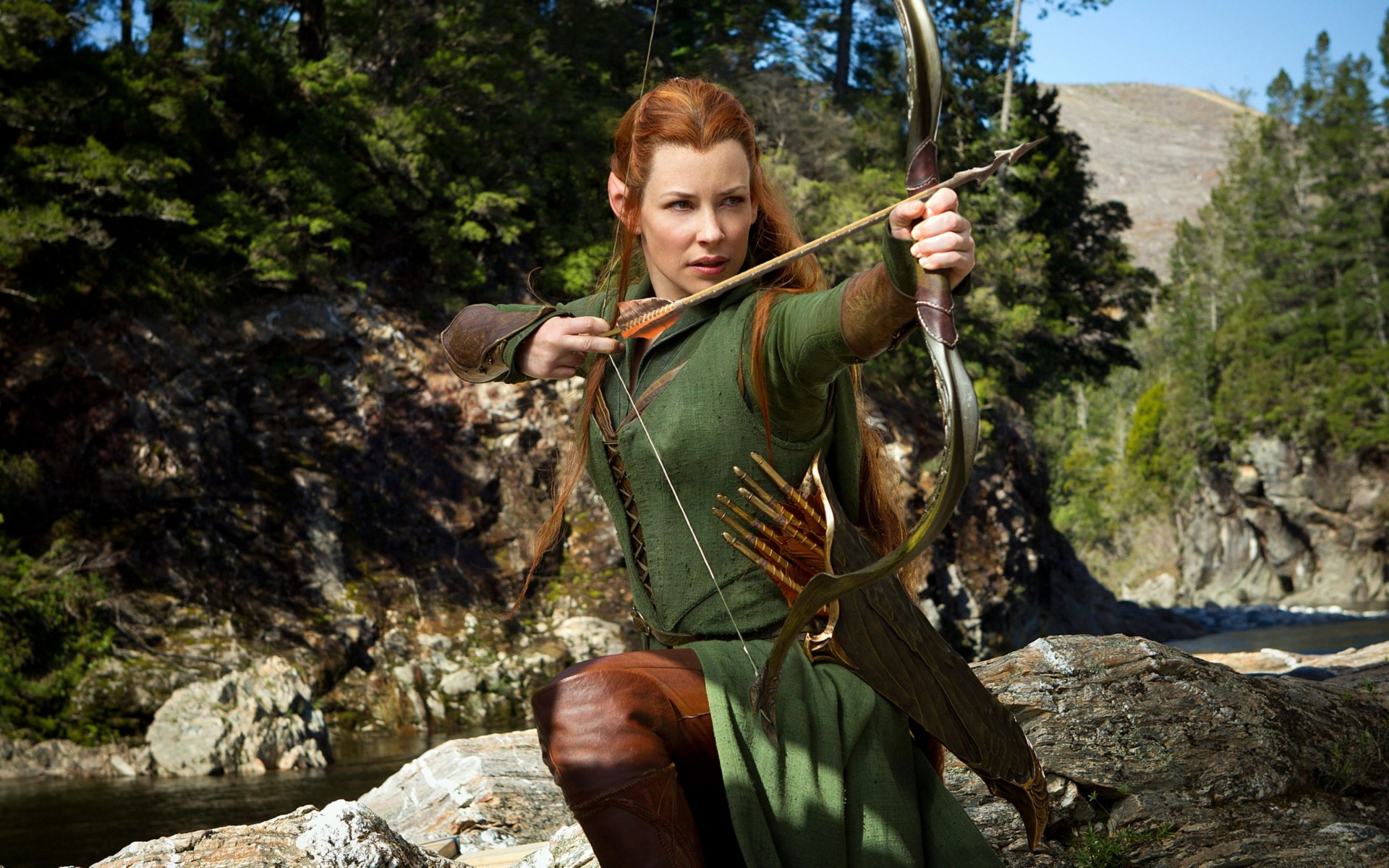 Evangeline Lilly as Tauriel in Hobbit Wide Wallpaper