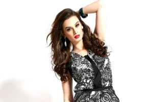 Download Evelyn Sharma 2 Hd Wallpaper Free Wallpaper on dailyhdwallpaper.com