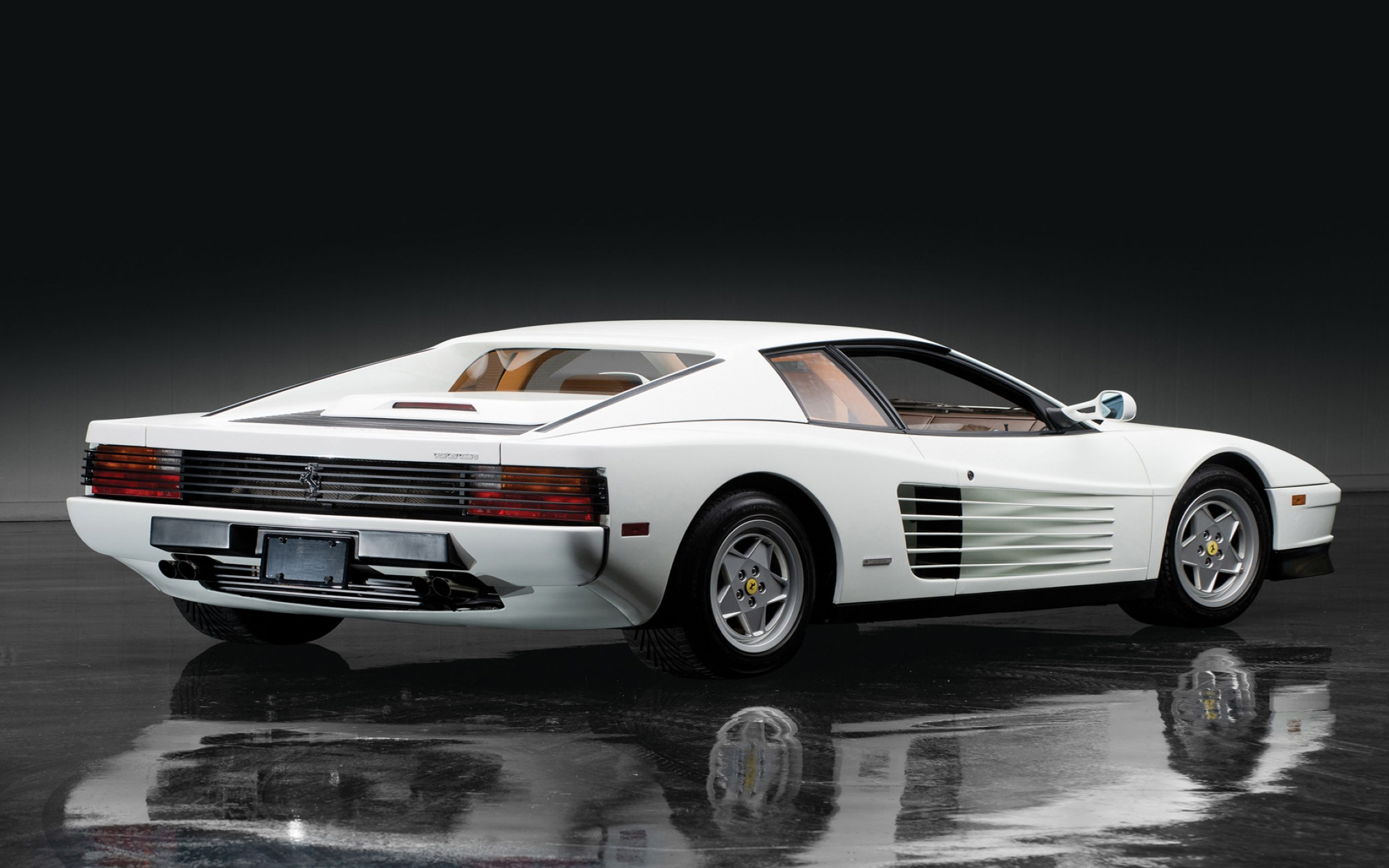 Download free HD Ferrari Testarossa Wallpaper, image