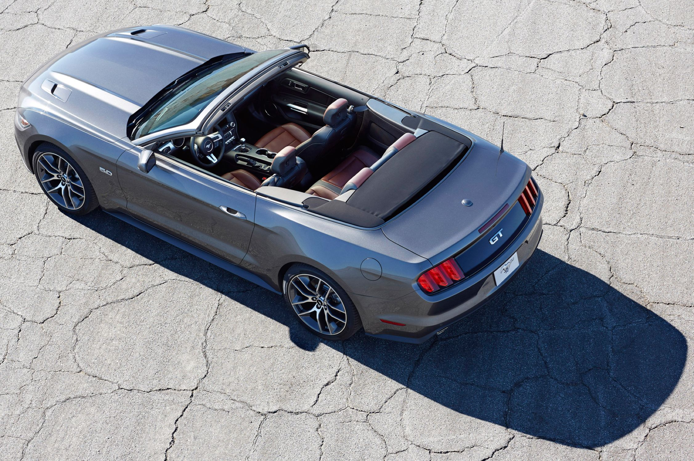 Download free HD Ford Mustang GT 2015 Convertible Above View, image