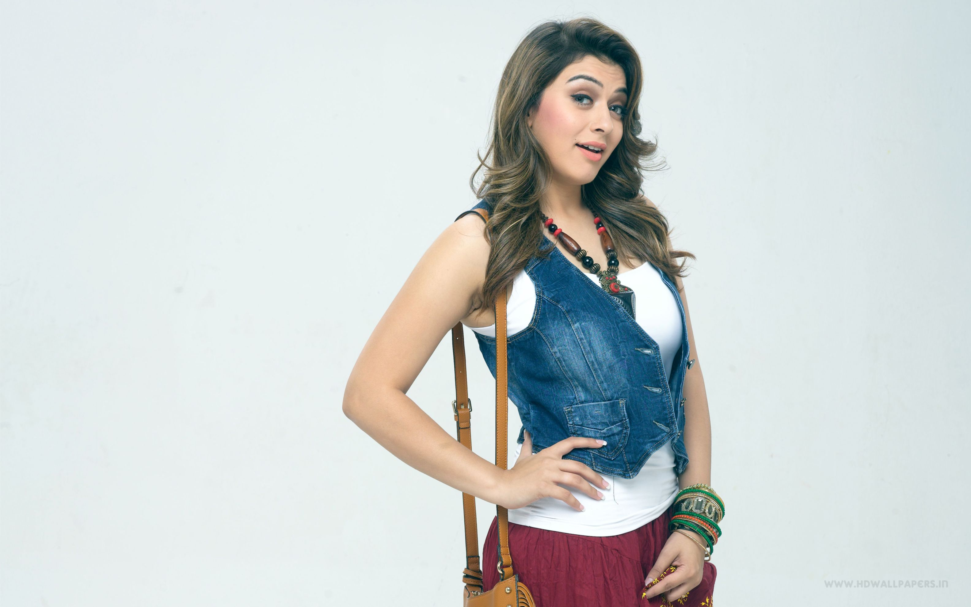 Download free HD Hansika Motwani In Tamil Movie Wide Wallpaper, image