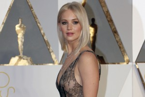 Download Jennifer Lawrence Oscar 2016 Wide Wallpaper Free Wallpaper on dailyhdwallpaper.com