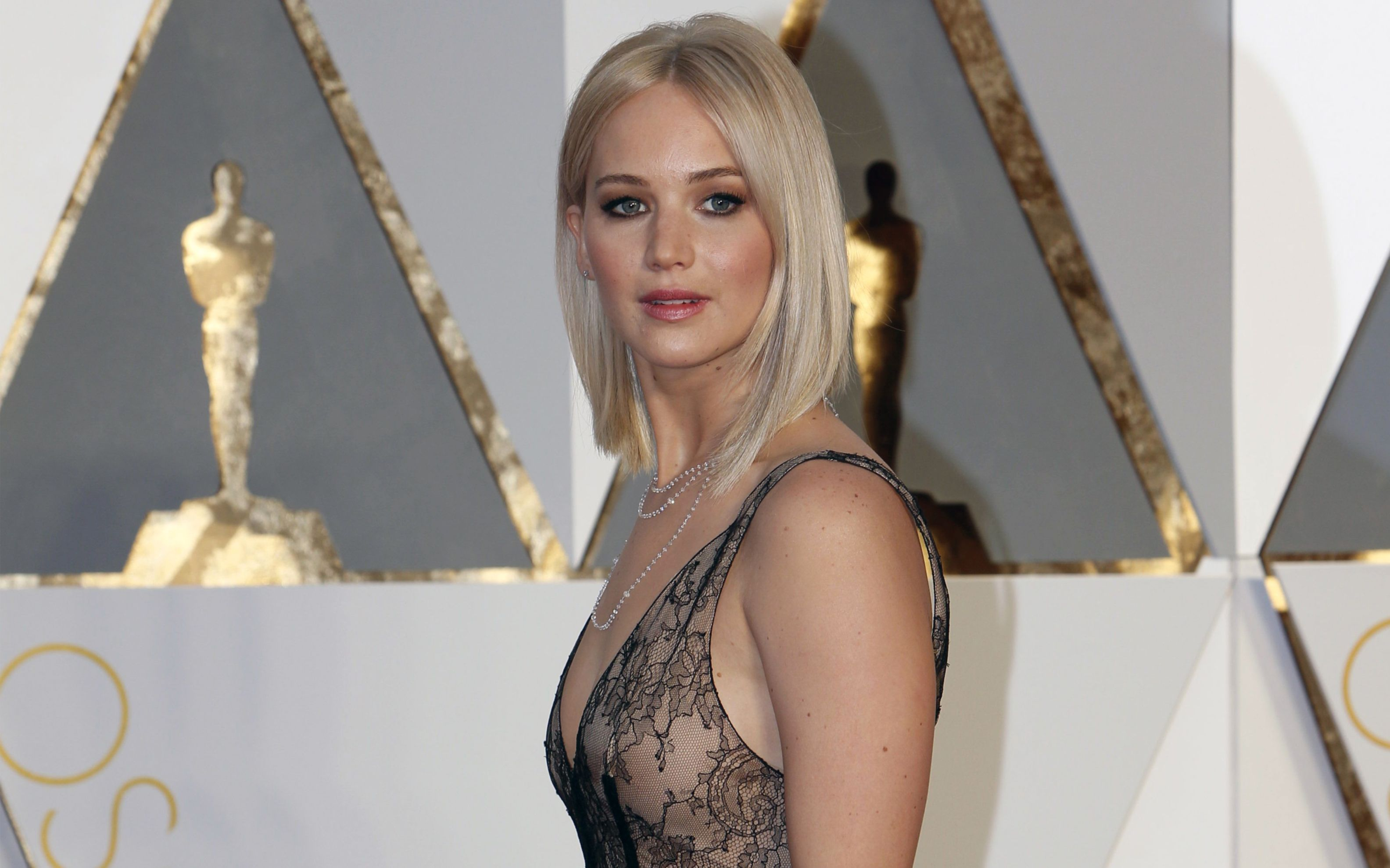 Download free HD Jennifer Lawrence Oscar 2016 Wide Wallpaper, image