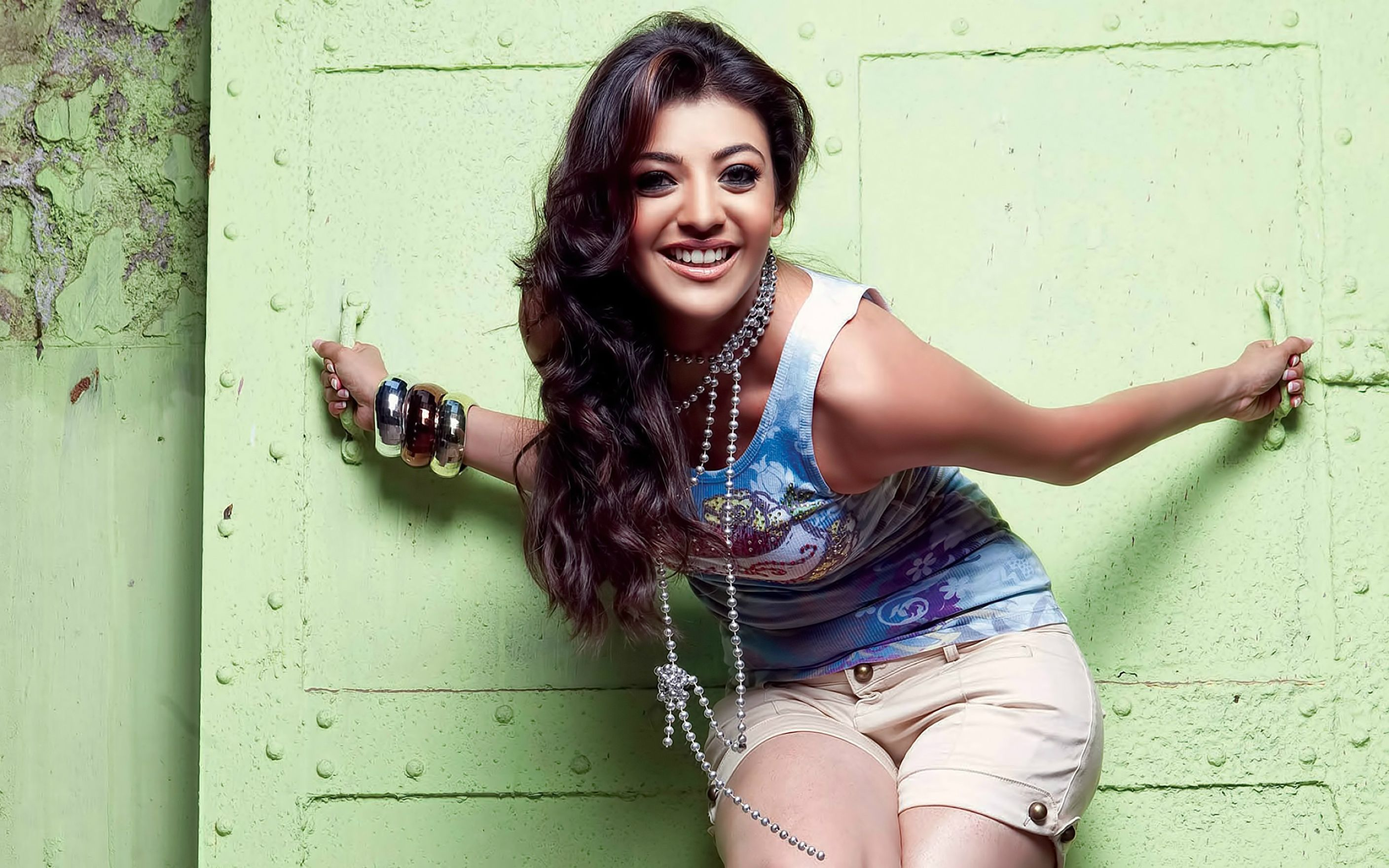 Download free HD Kajal Agarwal Cute Smile Wallpaper, image