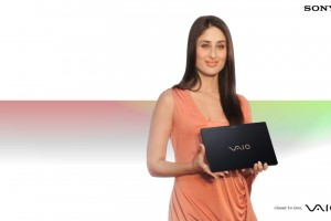Download Kareena Kapoor Sony Vaio Wide Wallpaper Free Wallpaper on dailyhdwallpaper.com